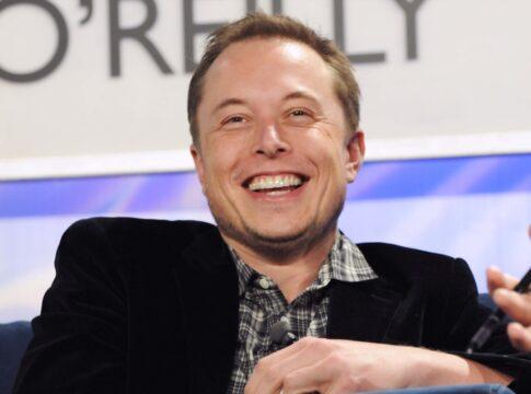 Stipendio Tesla: Elon Musk sblocca la prima rata.