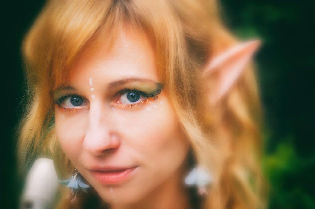 """Un """"cosplay"""" di un elfo femmina (ispirato al Signore degli Anelli)"""