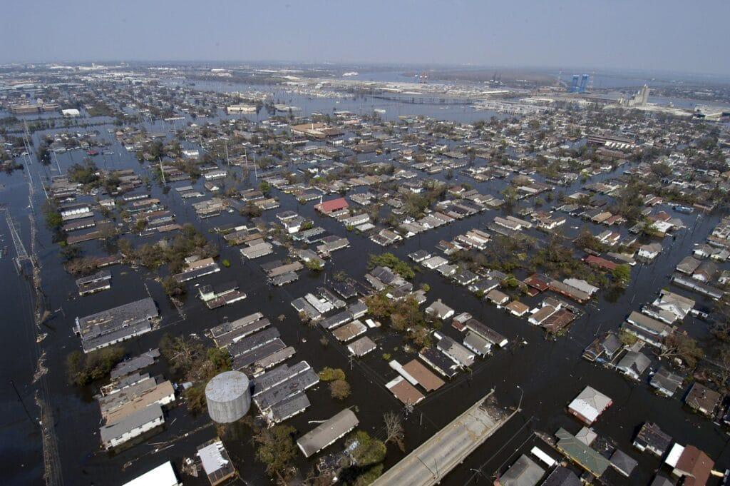 Immagine di New Orleans sommersa dalle acque di Katrina. uragano Ida